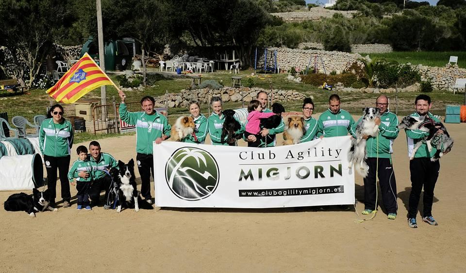 Expedición C.A. MIGJORN que asistirá a la VII Copa Baleares de Agility